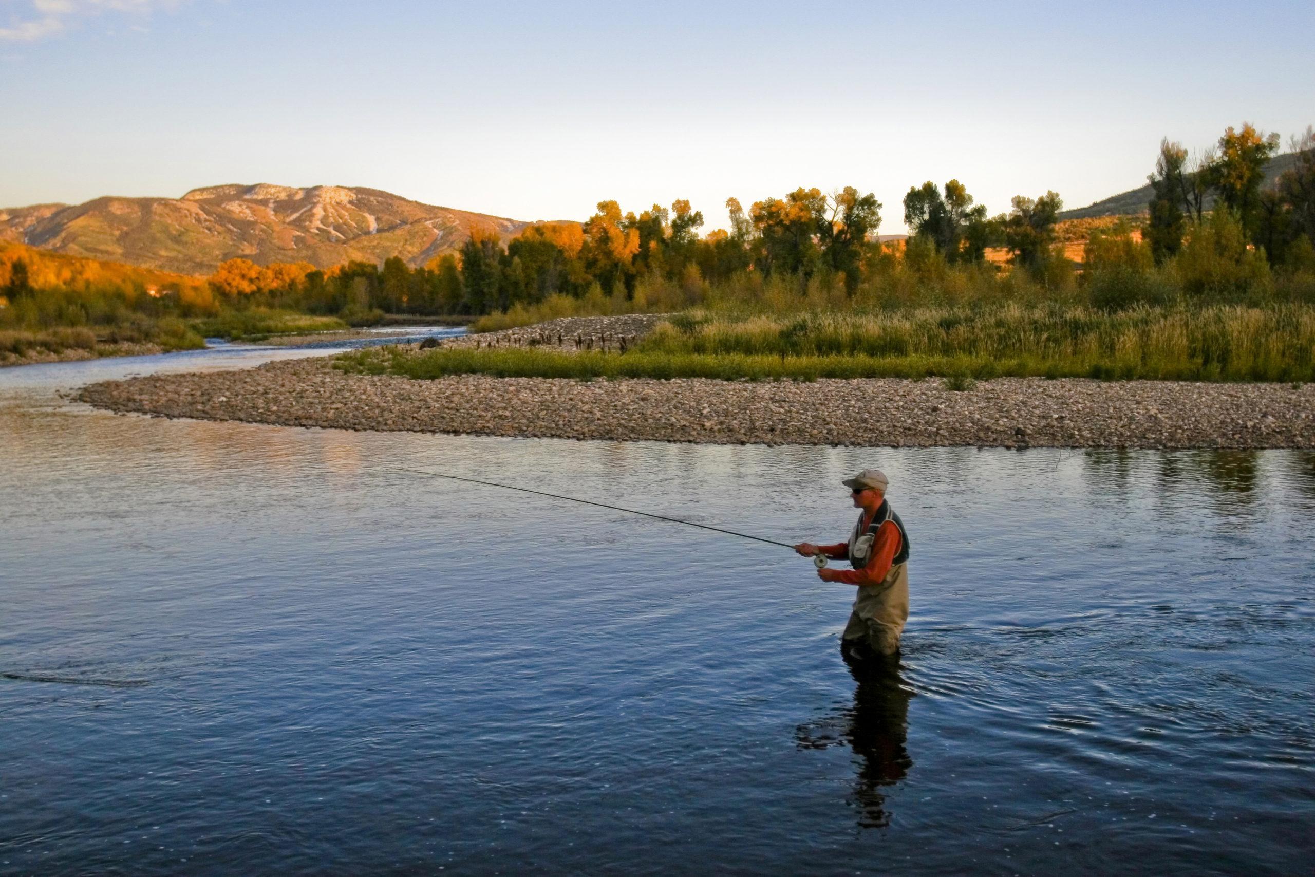 Для рыбалки на реке нужна дополнительная огрузка