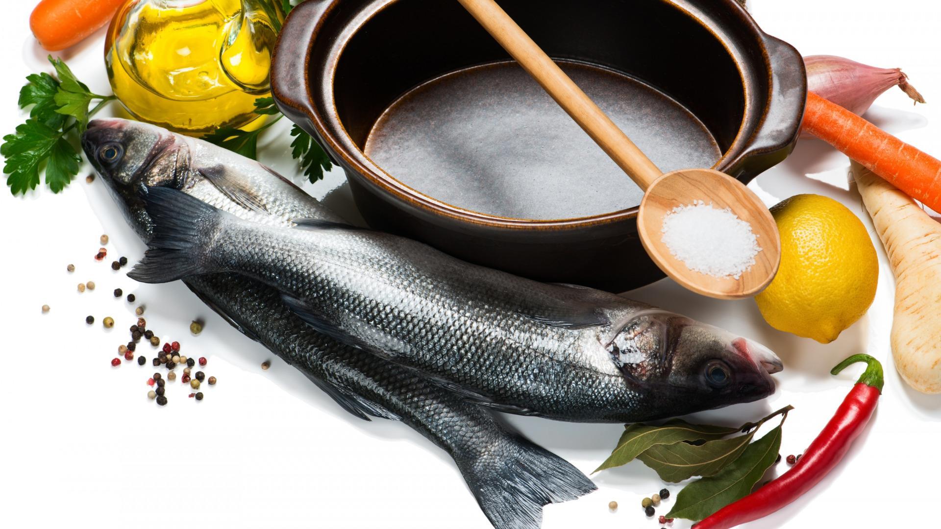 При засолке мокрым способом на 10 кг рыбы нужно 1,5 кг соли