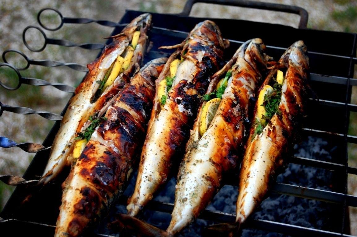 Приготовление рыбы на углях